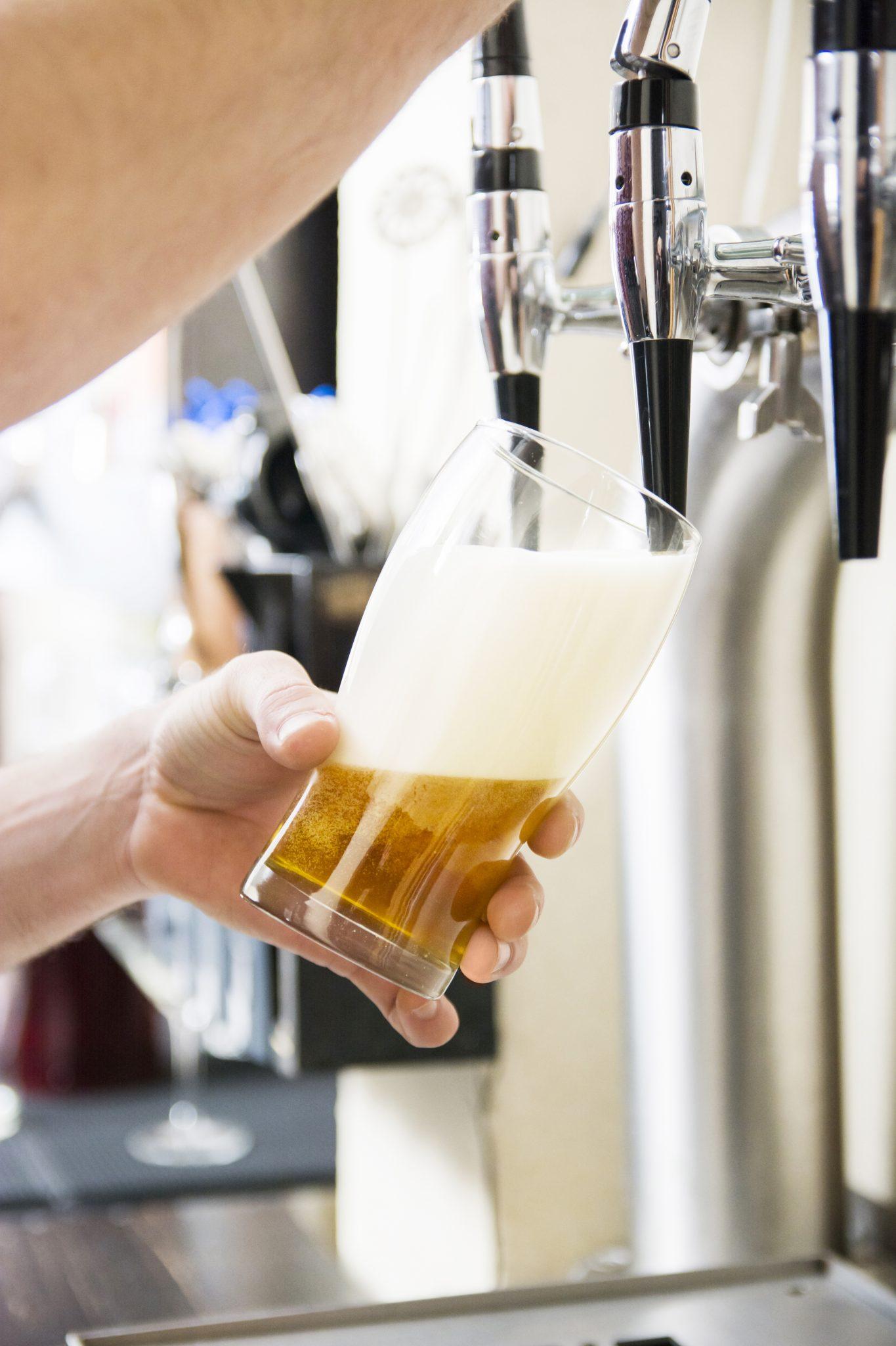 cerveja de pressão máquina barril